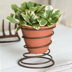 Bedspring Caddy with Terra Cotta Pot
