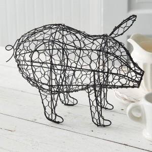 Chicken Wire Pig Statue