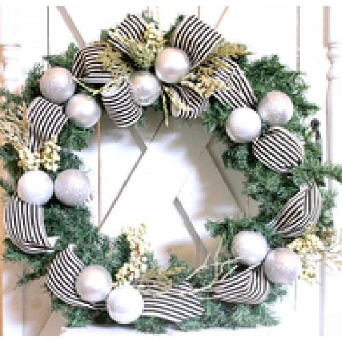Christmas Wreath Black/White/Silver