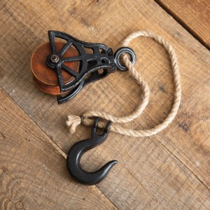 Hook with Wooden Wheel Pulley