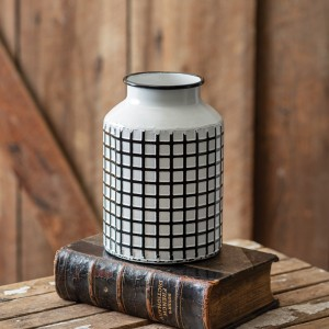 Lattice Pattern Vase