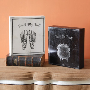 Set of Trick-or-Treat Smell My Feet Wood Box Signs