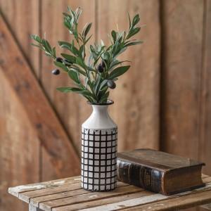 Skinny Lattice Pattern Vase