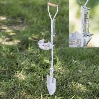 Spade Feeder and Rain Gauge Garden Stake