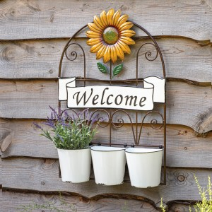 Welcome Planter with Pots